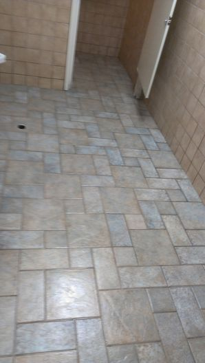 Before & After Tile & Grout Cleaning in Bolingbrook, IL (2)