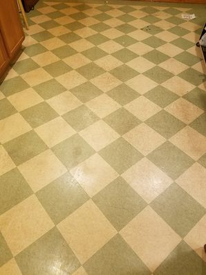 Before & After Floor Cleaning in South Elgin, TX (1)
